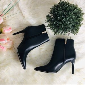 NWT MARC FISHER ANKLE BOOTIE BLACK HEELS GOLD LINE
